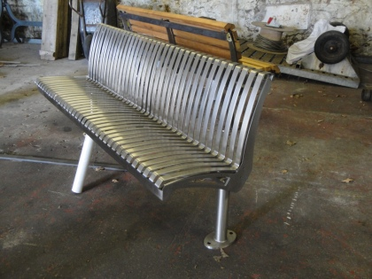 Goosefoot Bench by bwd